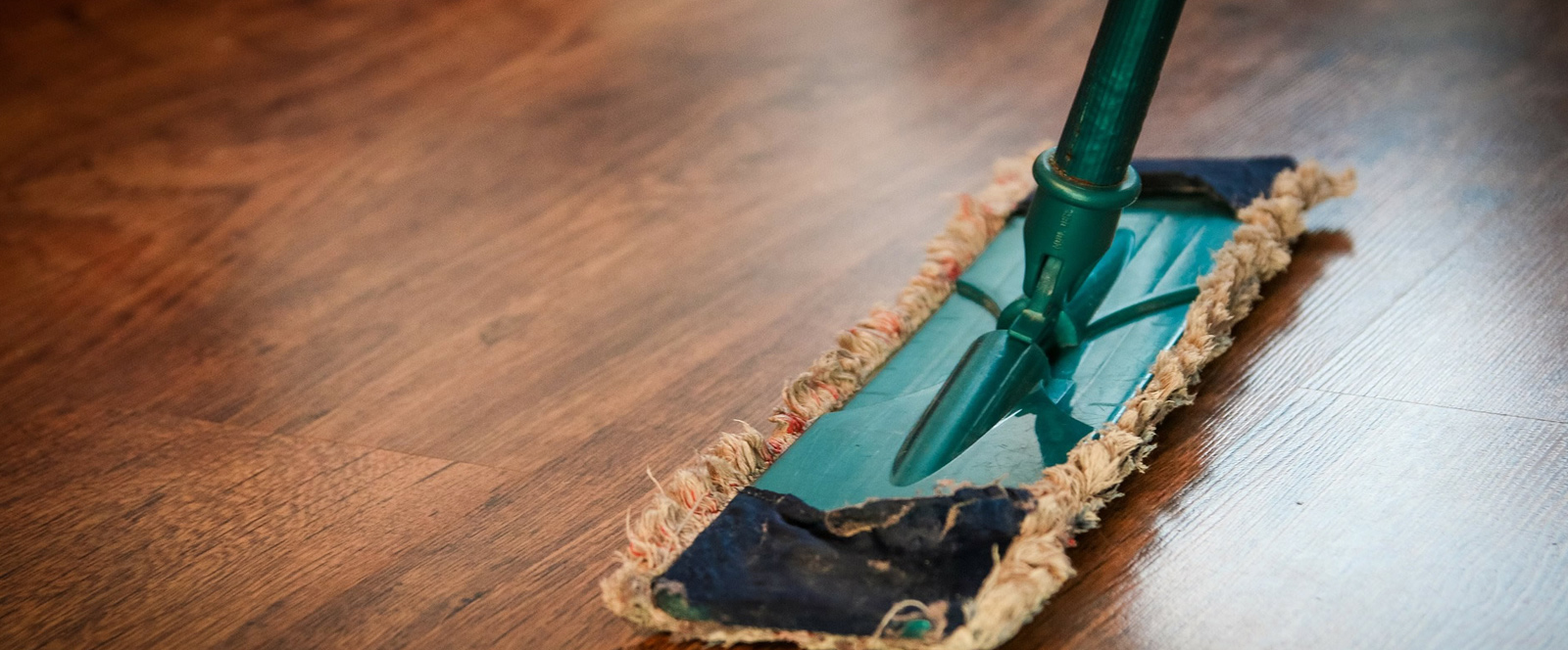 The factors of choosing the right residential cleaning services